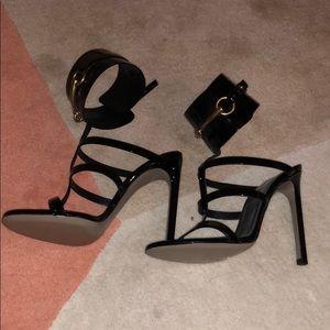33676bc290d Gucci Shoes - Gucci Ursula Cage Sandal in Black